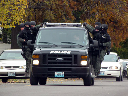 Special Response Team - On the Move